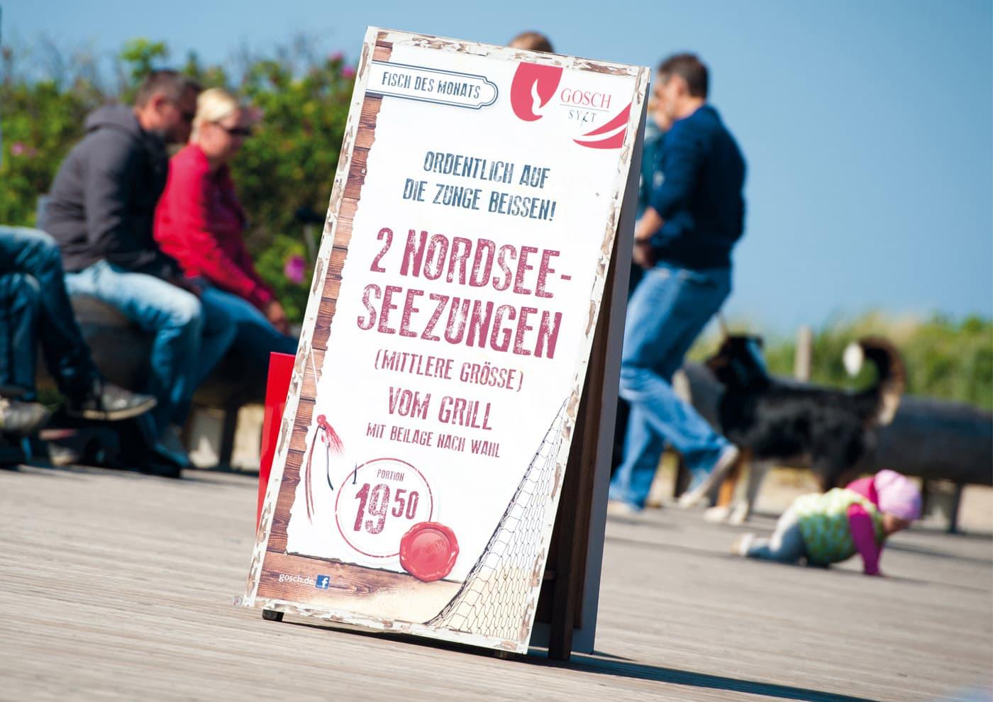 """CD-Entwicklung und Markenführung für """"GOSCH Sylt"""": Plakative Aufsteller für aktuelle Angebote und Events"""