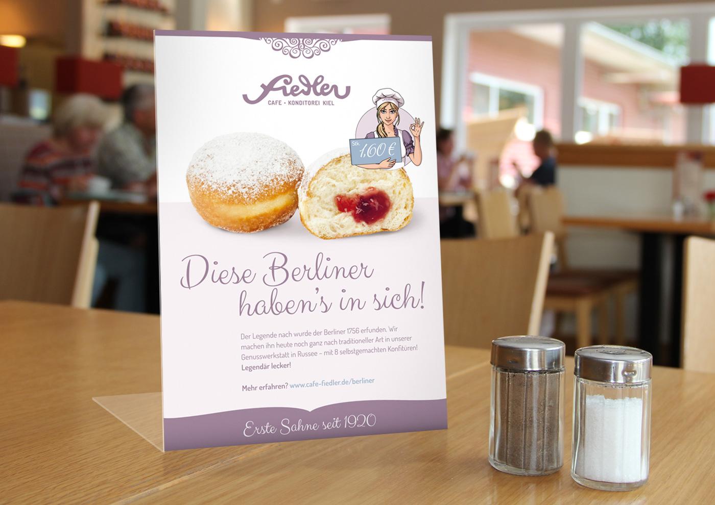 CD-Relaunch, Web und Social Media für Café Fiedler - Tresenaufsteller